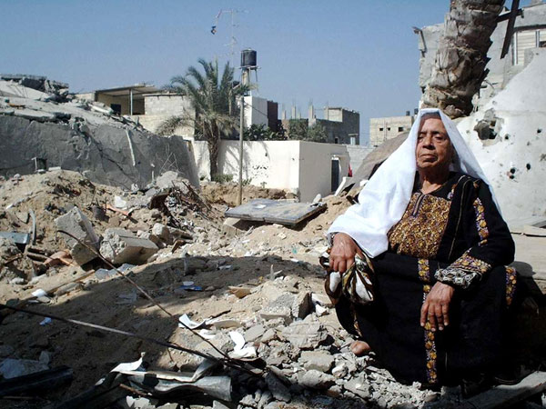 Palestinian Retaliate Israeli Air Strike that Killed 3 and Wounded Others