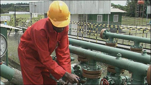 Oil revenues fall on production outages