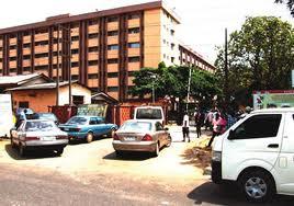 Fashola shuts out visitor's vehicle at secretariat