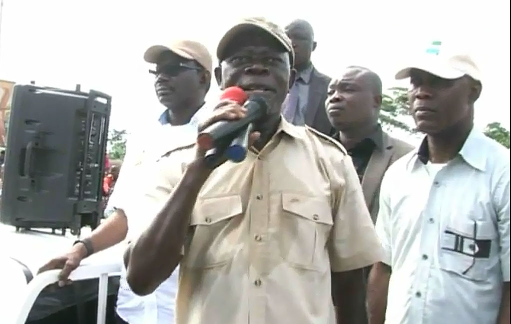 Oshiomhole leads thousands to protest planned voters' registration in Edo