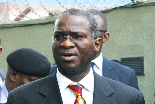 Fashola apologises to Lagos residents over doctor strike