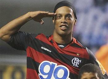 Ronaldinho exits Flamengo over unpaid wages