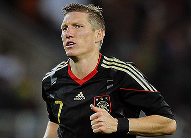 EURO 2012: Schweinsteiger passes fitness test,to play against Portugal