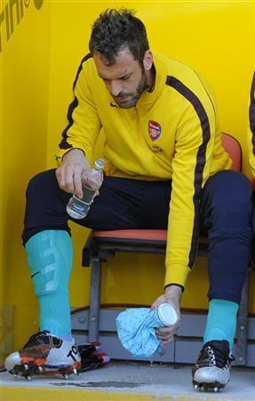 Arsenal's Almunia leaves to join Zola at Watford
