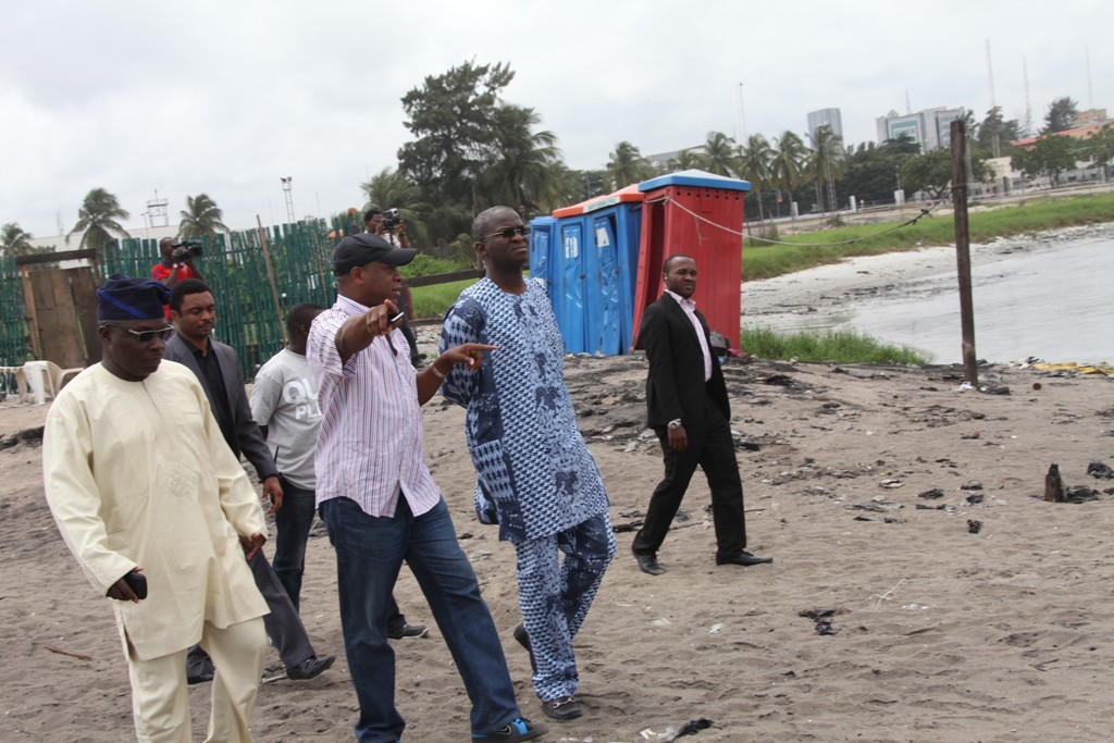 Fashola warns of more ocean surge in Lagos