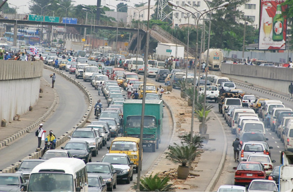 Fashola bans trailers from Lagos road during day time