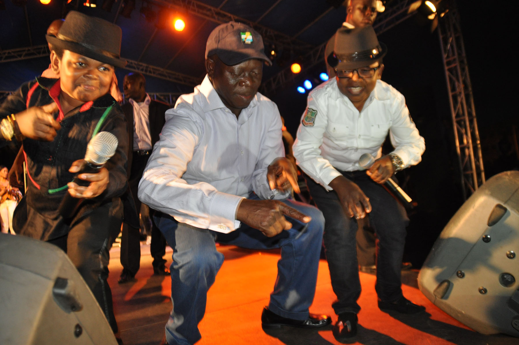 Video: Oshiomole celebrates re-election with Azonto dance