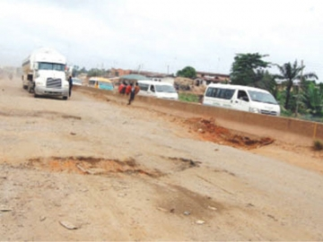Lagos-Ibadan expressway: FG kicks out Bi-Courtney, award contracts to Berger, RCC