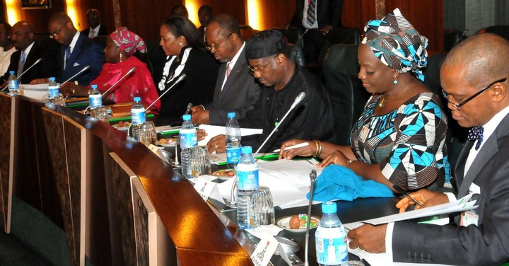 Economic management team endorses proposed N5000 note