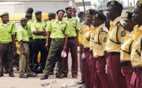 Respect people's rights, Fashola tells LASTMA, KAI officials
