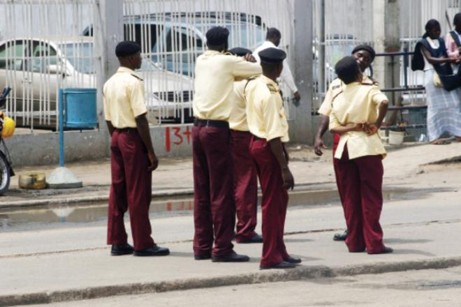 Unknown Traffic Controllers Invade Lagos