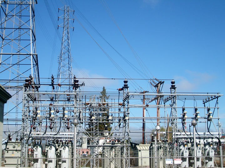 14 Bidders Pay $559.44 Million For Power Companies