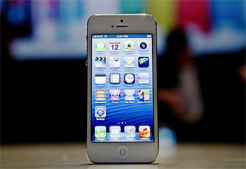 iPhone 5 pre-orders hit 2 million as shares skyrocket