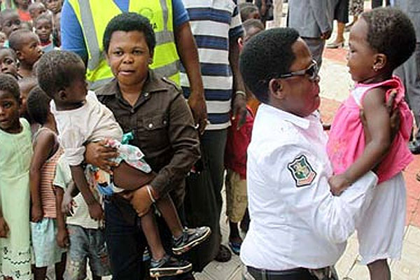 Uduaghan recruits Aki and Paw Paw to motivate flood victims