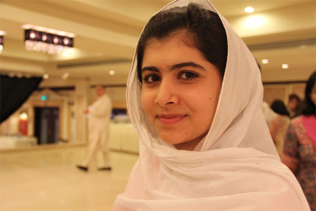 Shot Pakistani schoolgirl comes out of coma