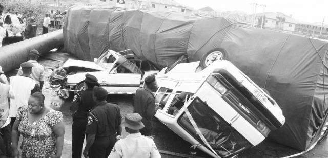 Multiple crashes block Lagos-Ibadan expressway
