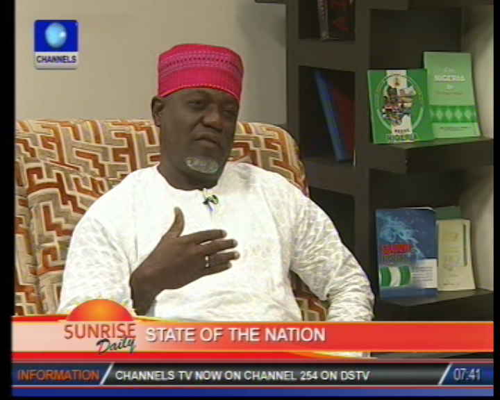 Lagos-Ibadan expressway: Analyst accuses government of 'low thinking'