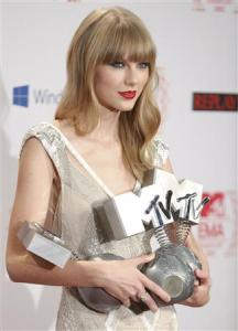 Taylor Swift and Justin Bieber walk away with three awards at the MTV EMA