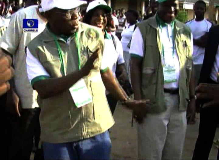 Obasanjo Dances Gangnam Style in Ghana
