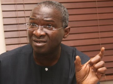 Fashola Signs MOU On Competitiveness Project With LBS