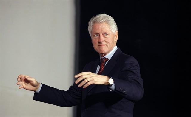 Clinton Recounts Lessons From His Teachers