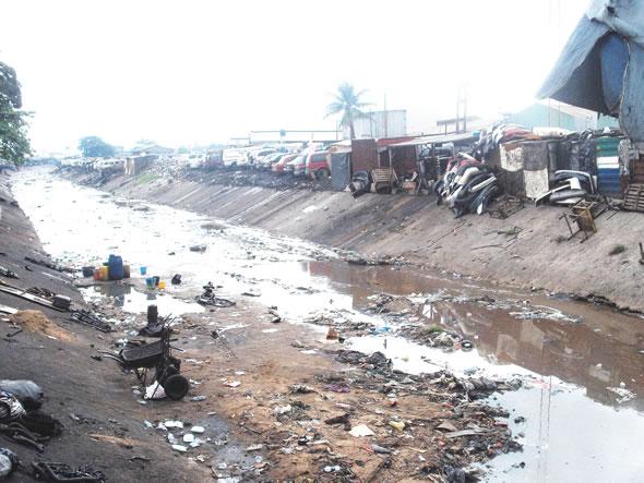 Fashola Re-Opens Ladipo Market