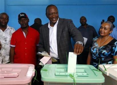Kenyatta Takes Early Lead As Kenya Counts Votes