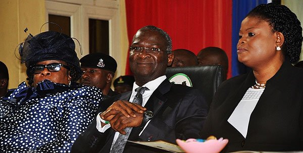 Fashola Swears In Six New High Court Judges