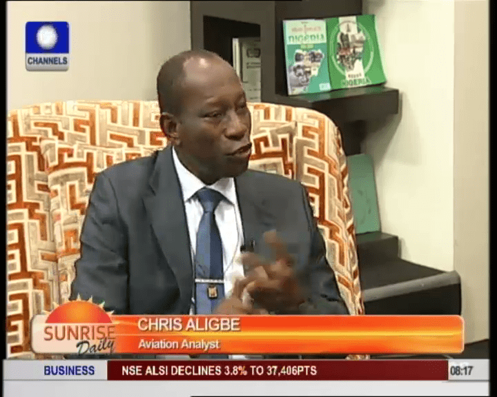 Analyst Commends Air Traffic Controller For Grounding Governors Flights