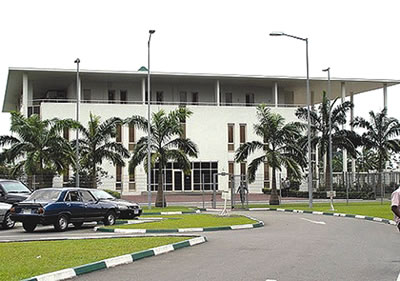 Rivers Assembly Crisis: Protesters Head To Governor's House