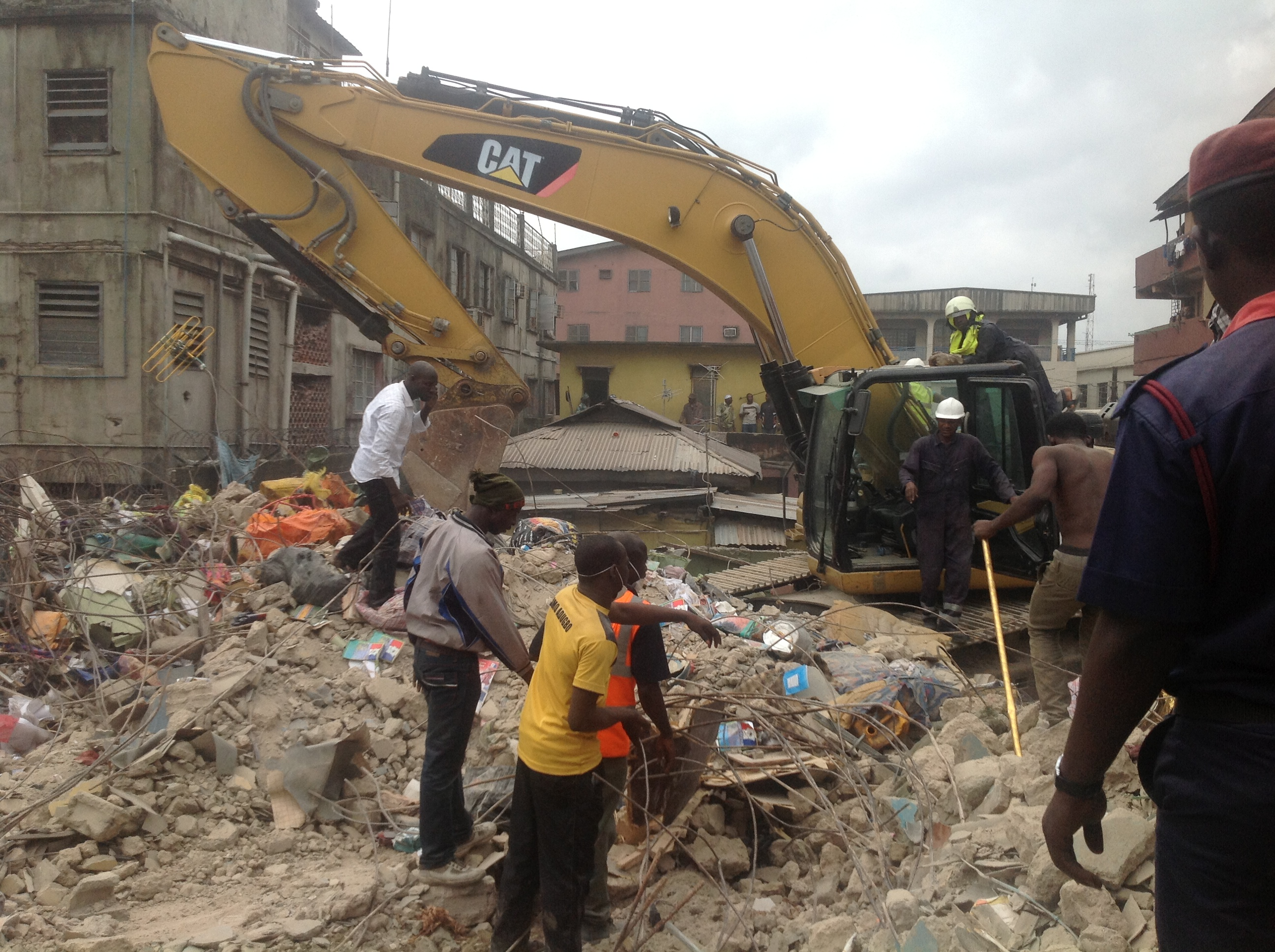 7 killed, Others Injured As Building Collapses In Lagos