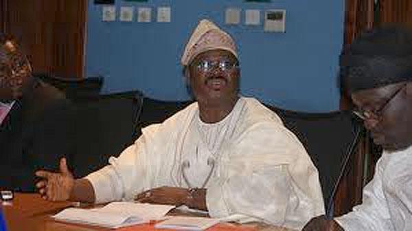 Governor Ajimobi Dissolves Entire Cabinet