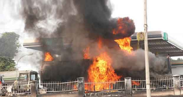 Petrol Depot Explodes In Apapa, Claims Two Buildings