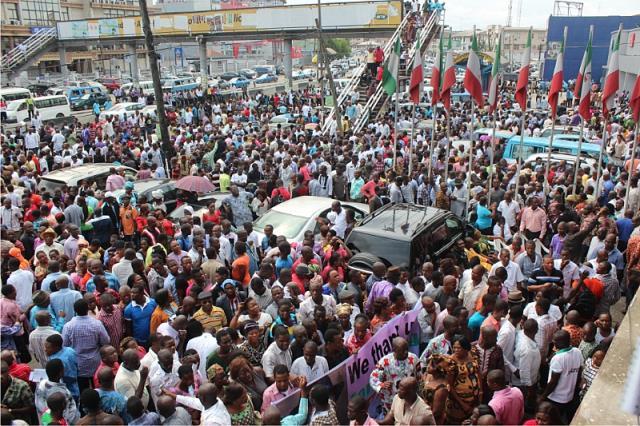 PDP Members Celebrate Amaechi's Exit