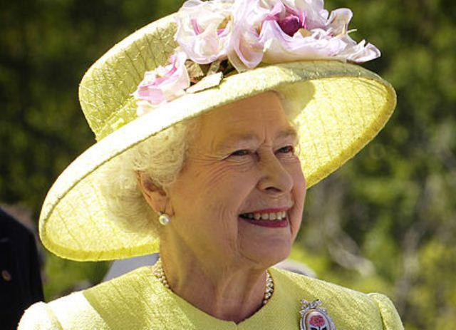 Queen Elizabeth II Congratulates President Jonathan And Nigerians On Centenary