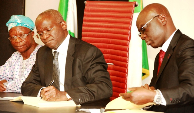 Fashola Signs Lagos State Consumer Protection Law