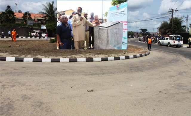 Lagos: Fashola Commissions Network Of Roads In Eti- Osa, Preaches Peace