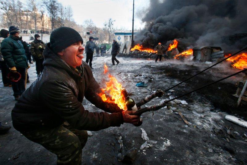 Eastern, Southern Ukraine Bury Dead As Chances Of War Increase