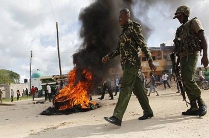 Armed Men Attack Kenyan Coast Village, Steals Police Gun
