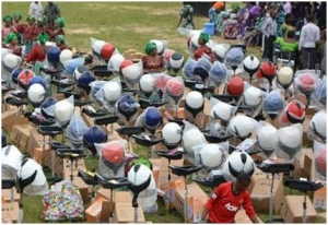 Abia state gives equipment to unemployed