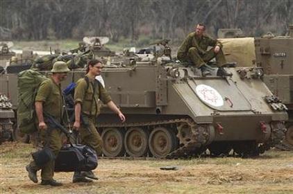 Israel Still Striking Gaza Despite Peace Efforts