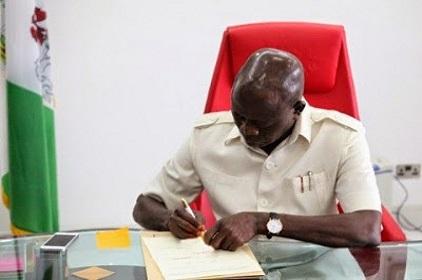 Oshiomhole Sacks New Perm Secs Over Lateness