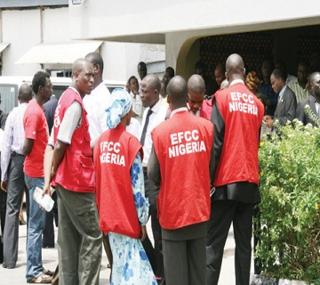 EFCC Re-arraigns  8 Suspected  Oil Thieves