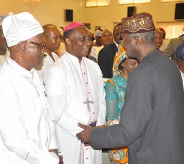 Ebola: Fashola Meets With Opinion Leaders,Urges Preventive Measures