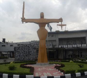 Court Freezes Dangote's Accounts In 20 Banks Over N5b Loan