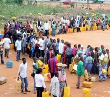 kerosene-queue_In-Nigeria