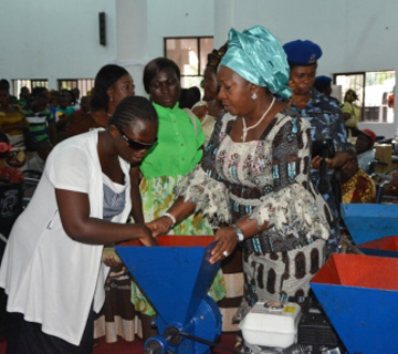 Abia First Lady Distributes Food Items, Working Equipment To Widows