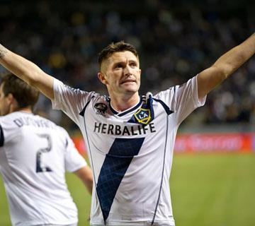 Robbie Keane Beats Obafemi Martins To MLS MVP Award