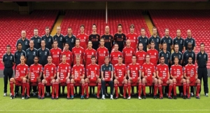 Liverpool FC Team poses with SRtRC