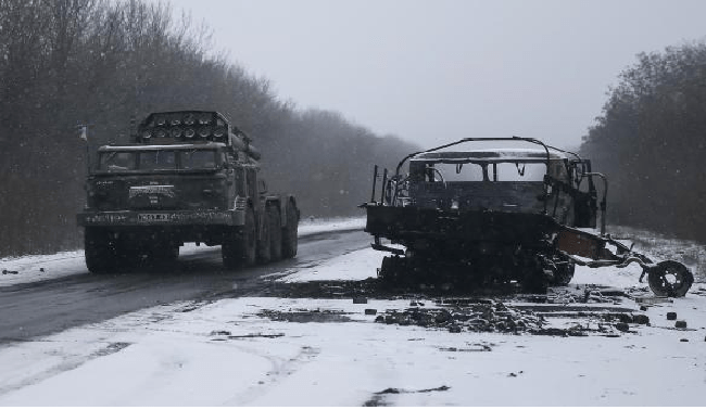 Ukraine Crisis: Sides Refuse To Withdraw Big Guns